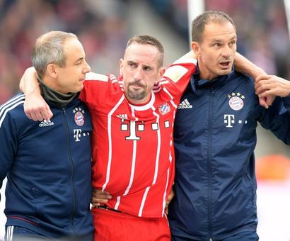 Football Briefs: Bayern misery continues, PSG demolish Bordeaux
