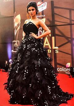 Does Mouni Roy have your attention?
