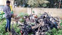 Bikes, car set ablaze in Jayanagar