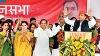 UP Elections 2017: Akhilesh Yadav in Raebareli, changes campaign game
