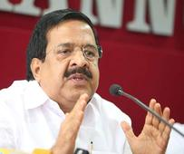 CM attempting to gag media, alleges Chennithala