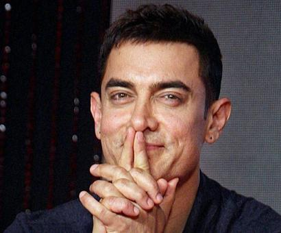 Aamir thinks Salman looks more handsome when he is without clothes