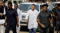 Attack on Rahul#39;s car: Cong protests by showering flowers on BJP office