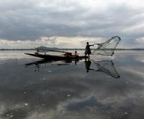 TN fishermen arrest: Fishermen's association in Rameswaram protest by distributing food