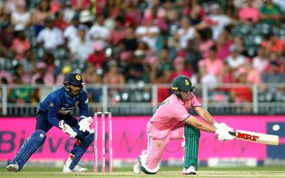 De Villiers steers Proteas to series win over Lanka