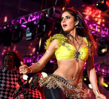 IIFA 2017: Katrina, Salman, Alia perform