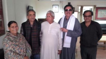 Shatrughan dares BJP again, 'openly' meets Nitish, Lalu