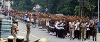 Andhra Pradesh CM awards Odisha troupe for best performance in I-Day parade