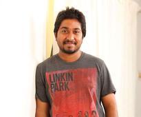 Vineeth Sreenivasan to act along with a tusker - Gaja Kesari - in his next