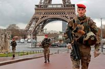 Terror-hit Paris wants rescue deal as tourists stay away
