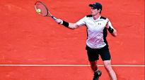 Andy Murray mauls Gilles Simon at Madrid Open