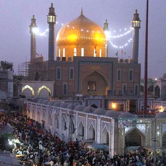IS executes suicide attack on Sufi shrine; 70 dead, 150 hurt