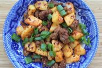 'Old Godmother' spicy potatoes and pork