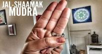 Jal shamaak mudra to give you instant relief from acidity at work