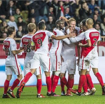 Euro soccer: Monaco thrash Marseille to go top; Bayern end winless streak