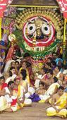Lakhs of devotees throng Puri for Sunabesa