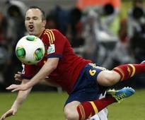 Spain top Uruguay to confirm favouritism