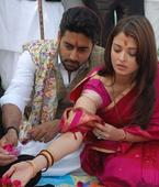 Abhishek Bachchan relives throwback moment when Aishwarya Rai said yes, and it is adorbs. See pics