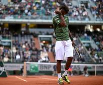 Thomaz Bellucci eases past Gael Monfils to reach Italian Open second round