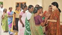 AIADMK leaders ask Sasikala to become TN CM