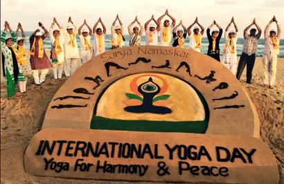 Flash mobs, mascots roped in, in run-up to world yoga day