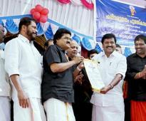 M.G. Sreekumar receives Harivarasanam Award