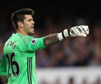 Former Man United reject Victor Valdes launches dating app