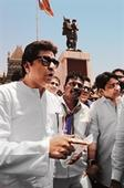 Raj Thackeray demands resignation of CM Fadnavis for having voted for a separate Vidharbha state