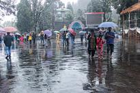Rain & no flights for tourists