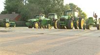 Iowa high-schoolers drive tractors to school for Farmer Day