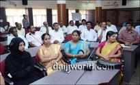 Why cannot protestors wave black flags to Sadananda Gowda and Yeddyurappa, questions Rai
