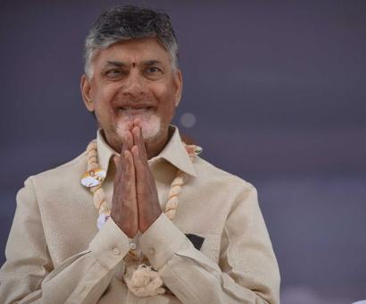 Naidu stages 12-hour fast for 'justice' to AP