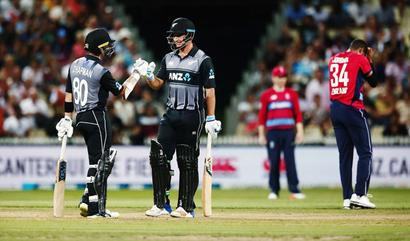 Kiwis in tri-series final despite two-run loss to England