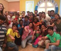 Varun Promotes Dishoom on Taarak Mehta Ka Ooltah Chashmah, Has a Fun Time!
