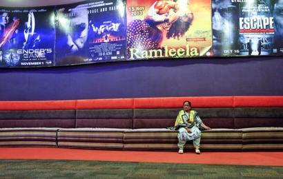 Pak cinemas resume screening Indian movies