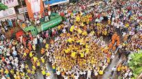 Girgaon Dahi Handi organisers plan a plastic-free move