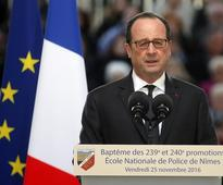 Competitors Urged to Fight Hollande for Socialist Bid