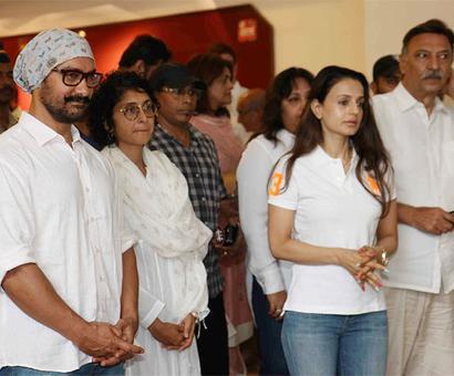 Vinod Khanna's prayer meet, Rishi Kapoor won't be angry