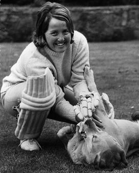 Heyhoe Flint, 1st women's cricket superstar dies