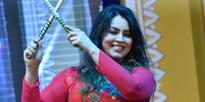 Mahima Chaudhary performing at Deshahra Mahotsav