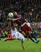 Barcelona edge out Sevilla in bad-tempered Cup final