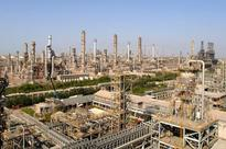 RIL Q3: Strong refining margins may offset petchem weakness