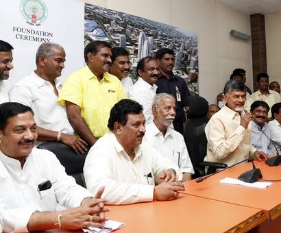 Kapu leader ends fast for quota after government's 'assurance'
