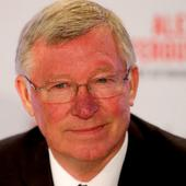Alex Ferguson urges Manchester United to target Europa League glory