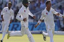 Malik Riaz gifts 50,000 pounds to Pakistan team