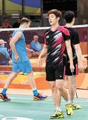 Lee and Yoo advance to badminton quarterfinals