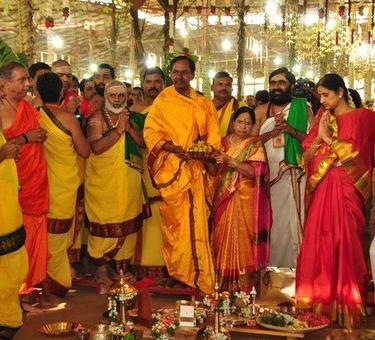 Telangana CM to make Rs 5.5 cr offerings at Tirupati