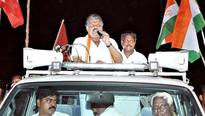 Tamil Nadu people were betrayed on Mullaperiyar issue: Vasan
