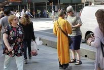 New York: Fake monks taking donations to build temple in Thailand, Buddhist leaders sound alarm
