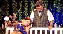 Satish Kaushik returns to stage